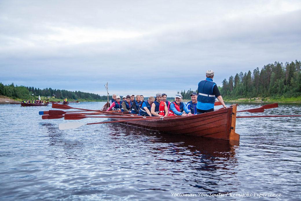 Rowing on Kemijoki